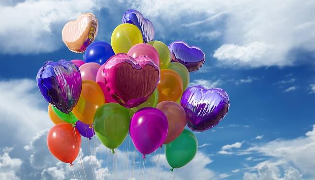 nebe nad balonky.jpg