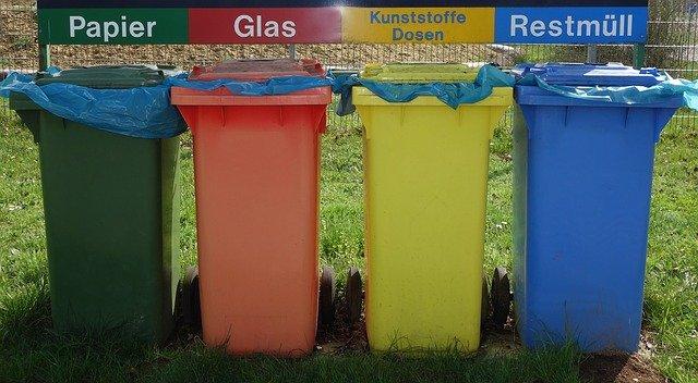 popelnice na recyklaci.jpg